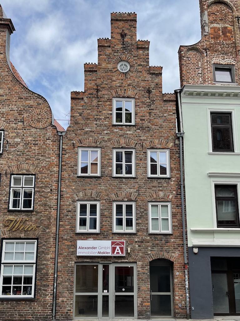 Alexander GmbH - Immobilienmakler Lübeck